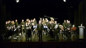 Band_stehend_ohne_spielen (Large)